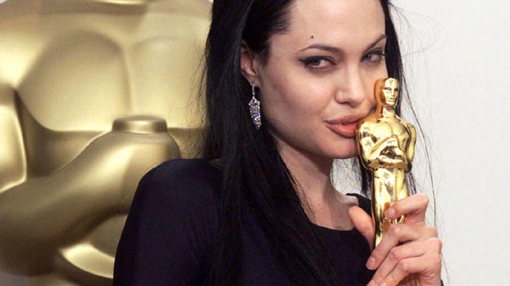 Angelina Jolie por 'Inocencia Interrumpida' en 2000