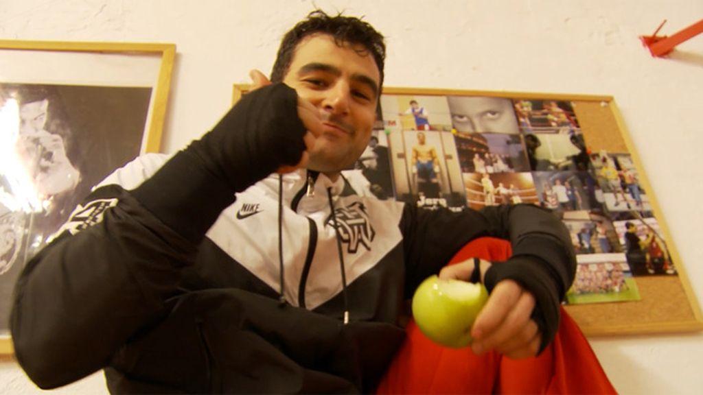 Juan es un boxeador que sueña con convertirse en un Rocky