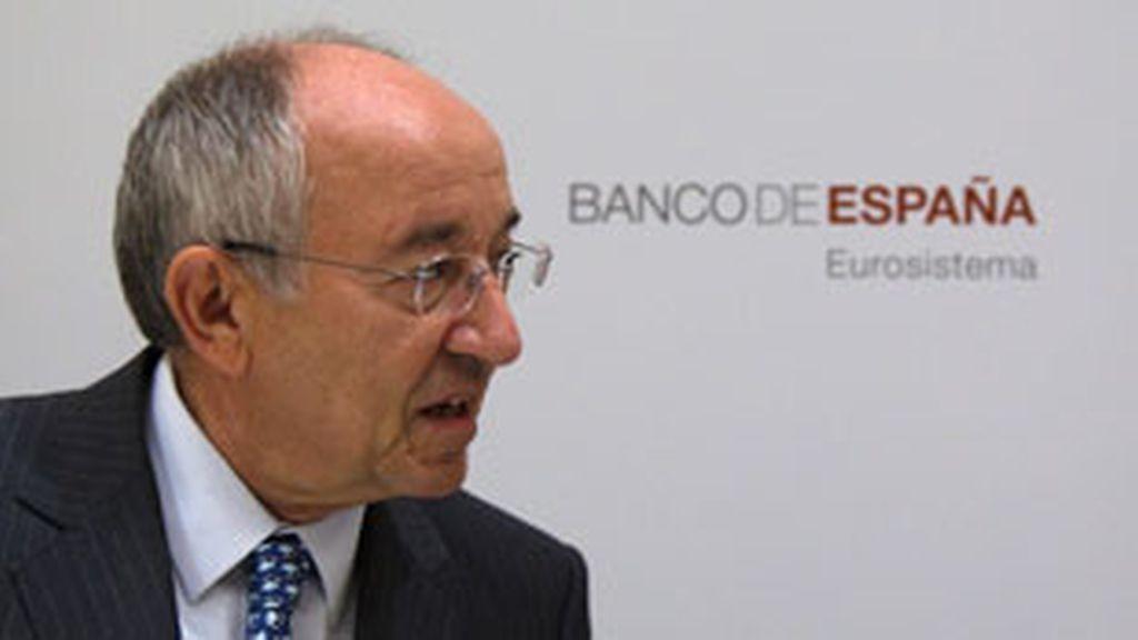 El gobernador del Banco de España, Miguel Angel Fernández Ordóñez, durante la rueda de prensa que ofreció hoy en Madrid para informar del proceso de recapitalización del sistema financiero español. Foto: Reuters