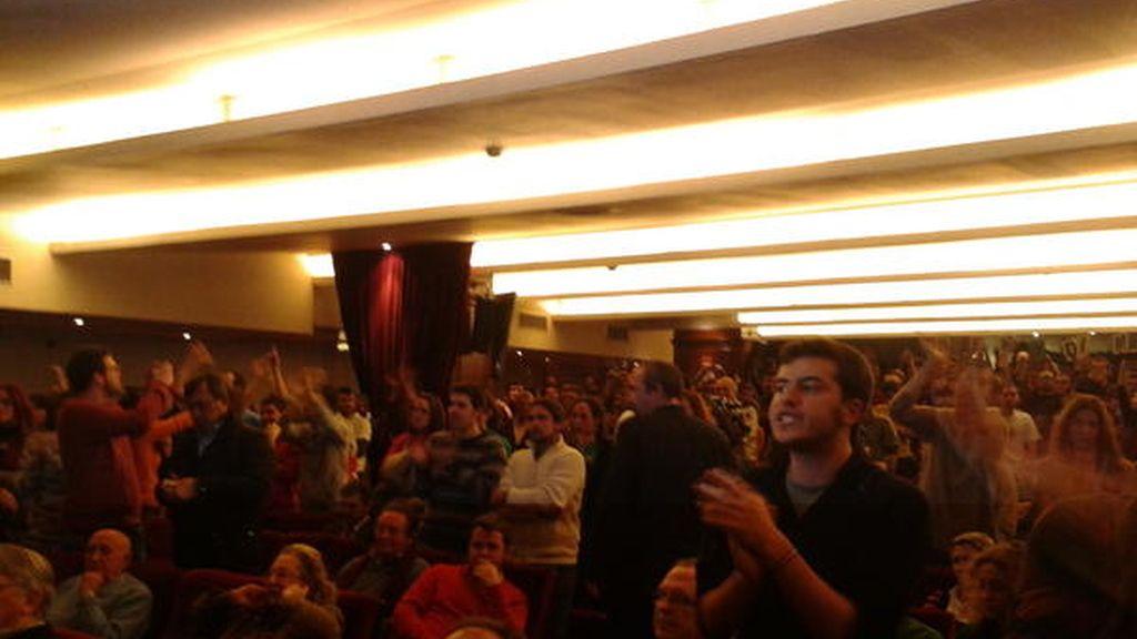 Wert suspende una conferencia en Sevilla ante la protesta de más de un centenar de jóvenes