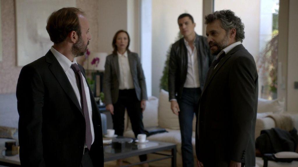 Serra traiciona a Robledo y le tiende una trampa en su propia casa