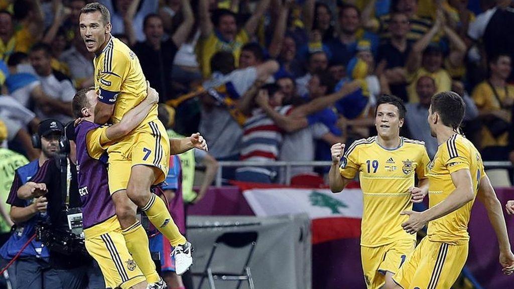 Shevchenco gana en su particular duelo con Ibrahimovic