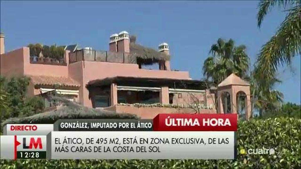 Así es el ático de González: Piscina privada y 6.500 euros de comunidad