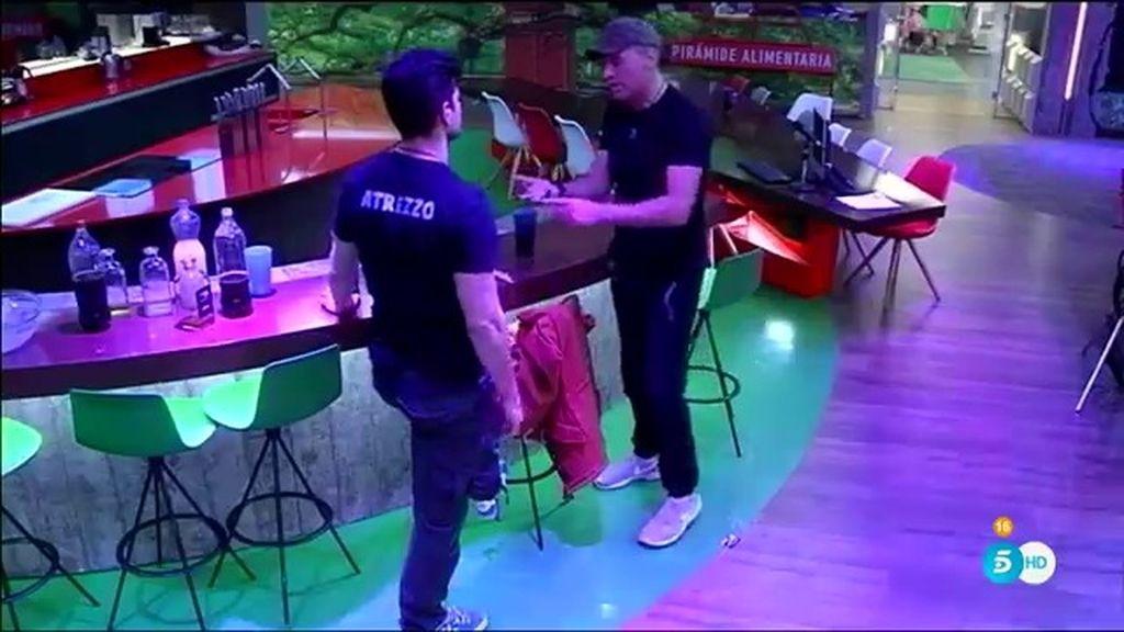 """Carlos, a Alejandro: """"No digas que te va mal cuando es mentira"""""""