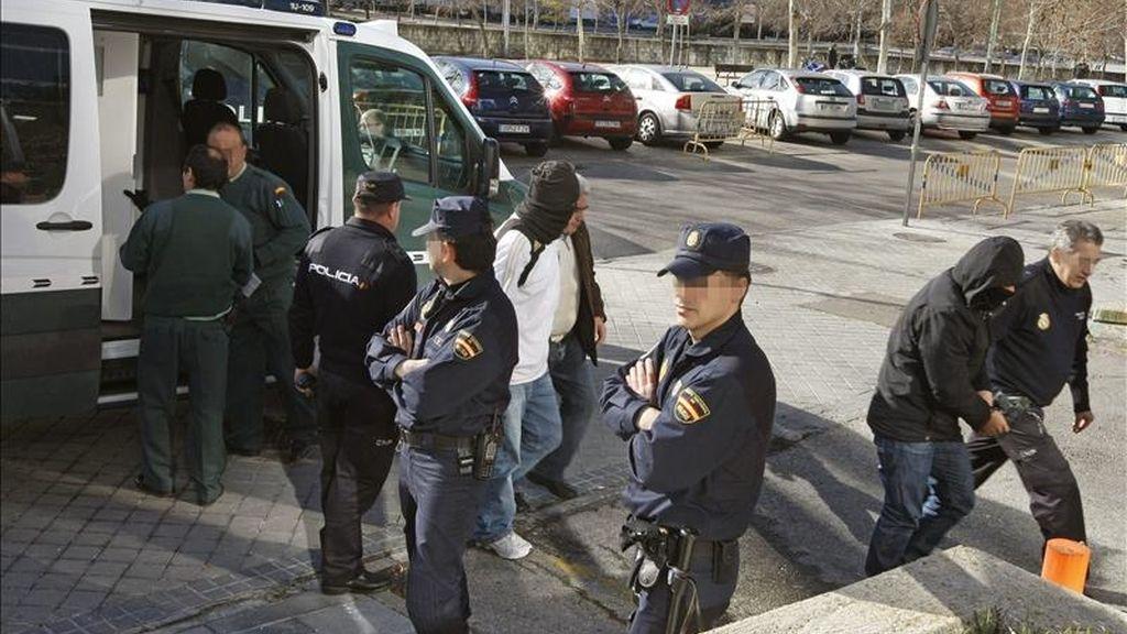 Imagen tomada el pasado 7 de marzo de la llegada a la Audiencia Provincial de Madrid, de los procesados por el asesinato del capo de la droga colombiano Leónidas Vargas, que fue tiroteado en 2009 mientras se encontraba hospitalizado. EFE/Archivo