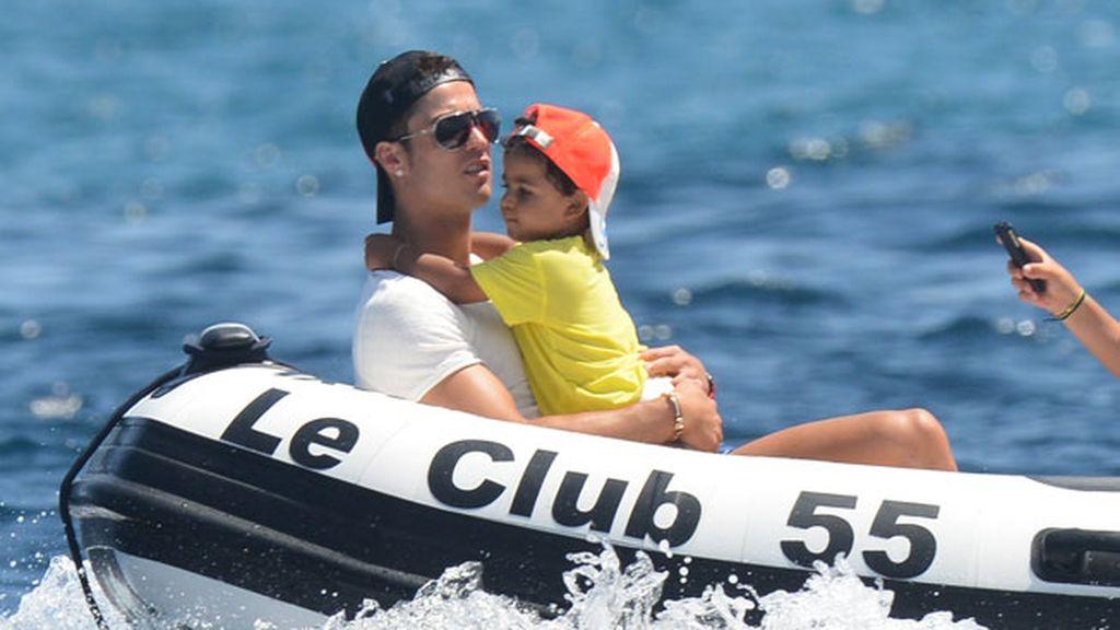Cristiano Ronaldo e Irina Shayk, amor y descanso en Saint-Tropez