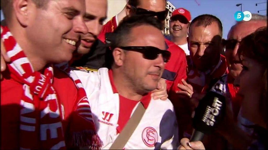 """La afición del Sevilla confiada en su equipo: """"Sabemos que será difícil pero nos llevaremos el doblete a casa"""""""