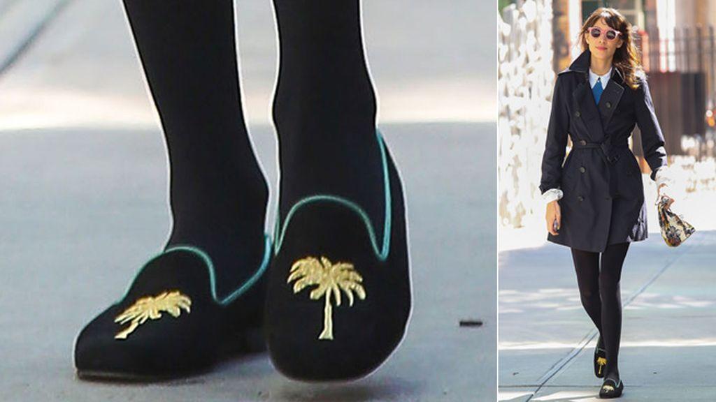 Ella prefiere la comodidad y prefiere zapatos planos