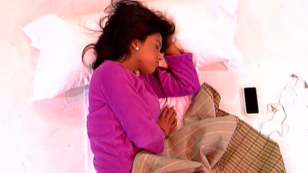 Rachel se duerme para ir a comprar el pan