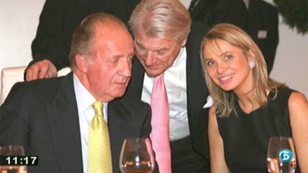 Corinna contará su historia con don Juan Carlos en un libro, según P. G. Pelayo