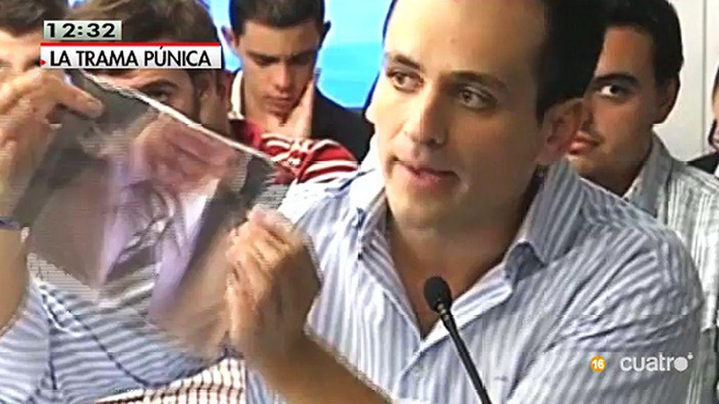 Mesa Garrido, quien hiciera el gesto de romper con Bárcenas, también está en las conversaciones de la Púnica