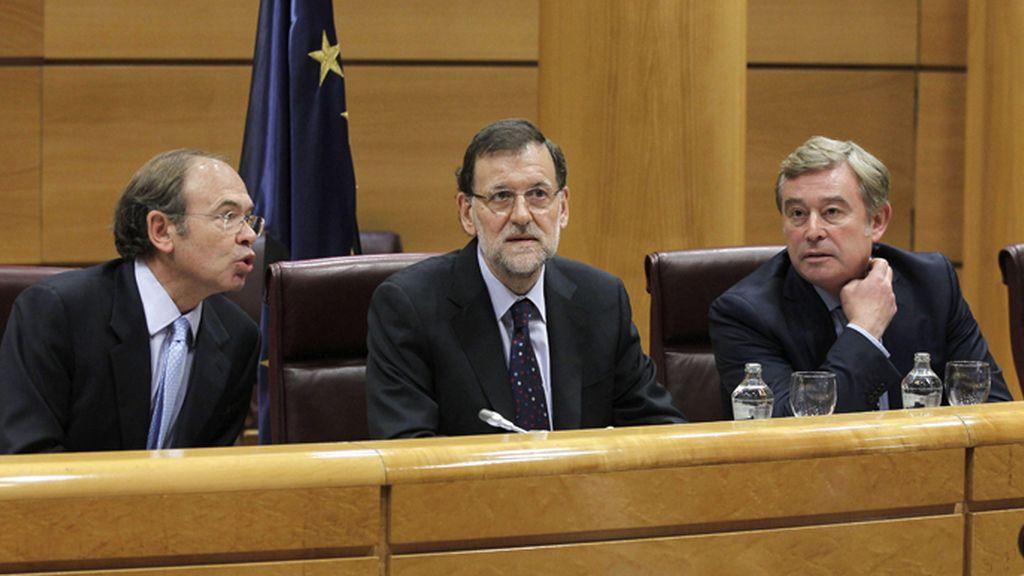 Rajoy preside la reunión del grupo popular en el Senado