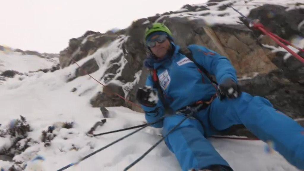 ¡Jesús Calleja se enfrenta a una pared vertical de hielo!