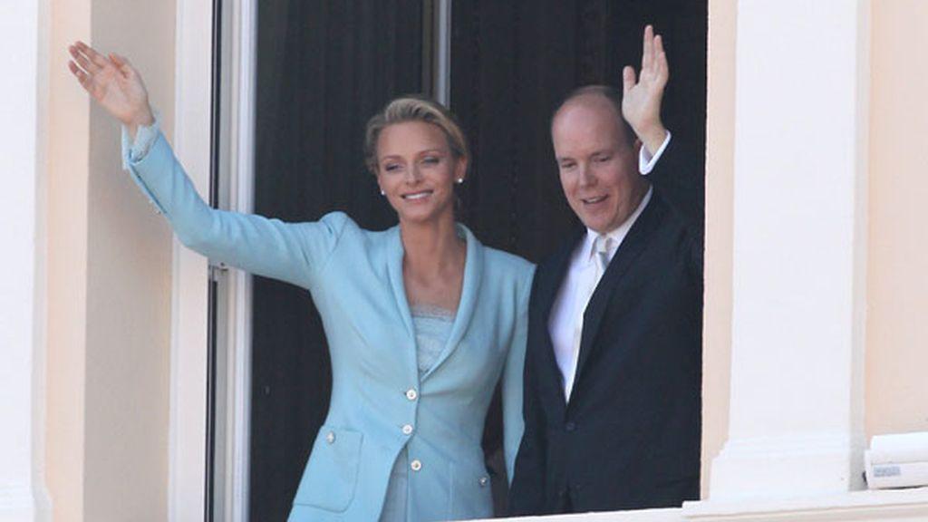 Alberto de Mónaco y Charlene, frenesí en el balcón
