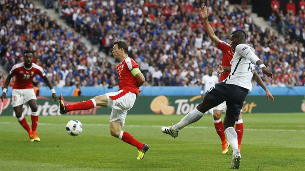 Pogba responde a las críticas con dos ocasiones de gol en apenas un minuto