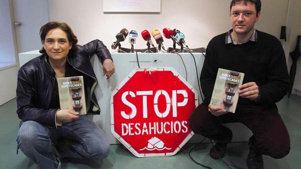 Ada Colau y Adria Alemany, fundadores de la Plataforma de Afectados por las Hipotecas