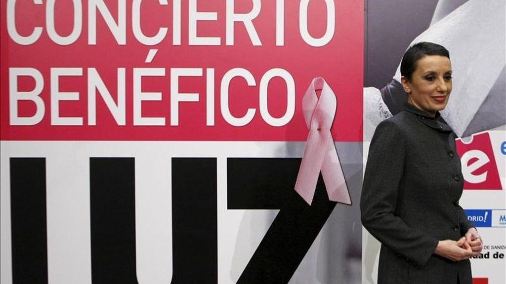 La cantante Luz Casal, durante la presentación del concierto benéfico que ofrecerá el próximo 4 de febrero en Madrid con motivo del Día mundial contra el Cáncer. EFE