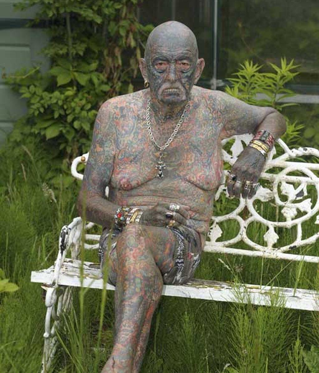 El hombre con más tatuajes