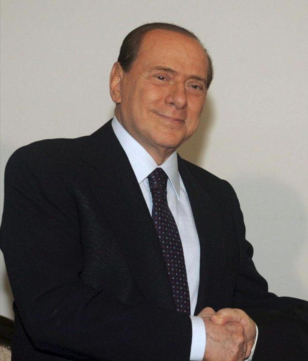 El primer ministro italiano, Silvio Berlusconi en Túnez, hoy lunes 4 de abril. EFE