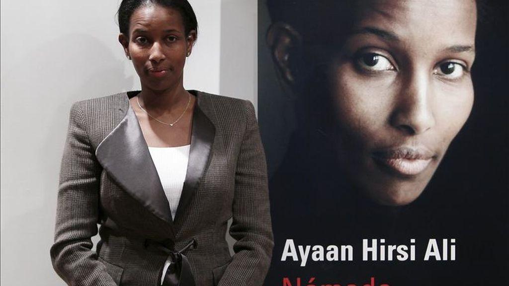 """Ayaan Hirsi Ali, considerada una de las voces más activas en defensa de los derechos de las mujeres en las sociedades islámicas, durante la presentación hoy en Madrid de """"Nómada"""", su biografía, en la que narra su azaroso itinerario personal y político desde su Somalia natal hasta Europa y Estados Unidos. EFE"""