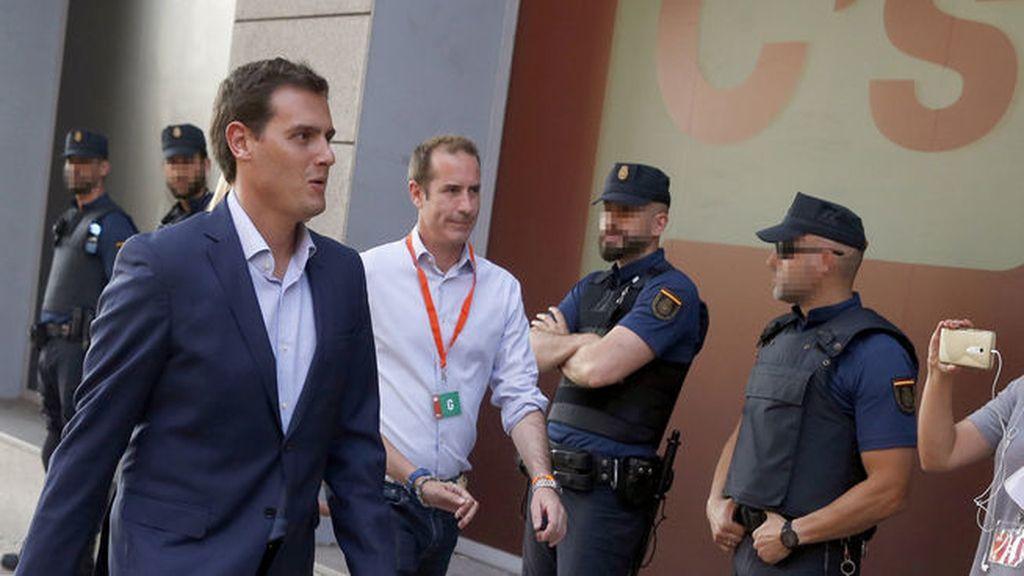 Albert Rivera llega a la sede de Ciudadanos