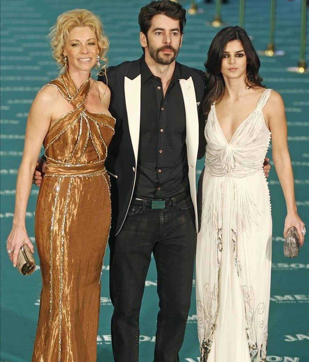 De izquierda a derecha, los actores Belén Rueda, Eduardo Noriega y Clara Lago el año pasado a su llegada a la XXIV edición de los Premios Goya. EFE/Archivo