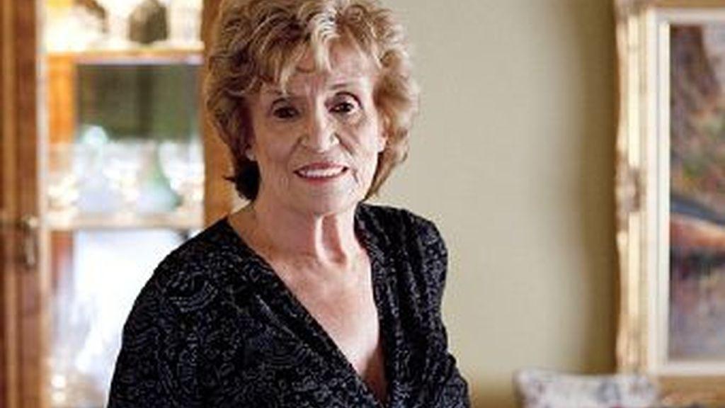 Marie Kolstad, la mujer de 83 años, que se sometió a la cirugía estética para mejorar la apariencia de sus pechos. Foto Daily Mail
