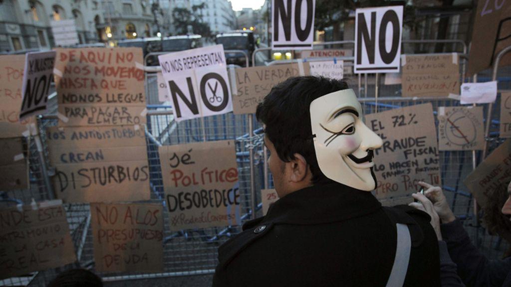 Más de mil personas se concentran junto al Congreso en una nueva protestadel 25S