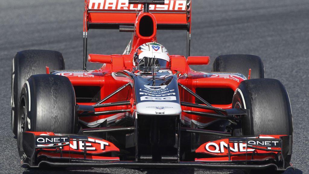 Pic, piloto de Marussia, toma una curva durante una sesión de entrenamiento en el Circuit de Catalunya
