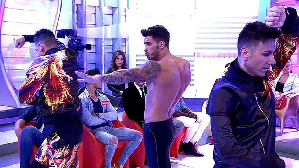 Iván deja a las chicas de plató al borde del infarto con su actuación estelar