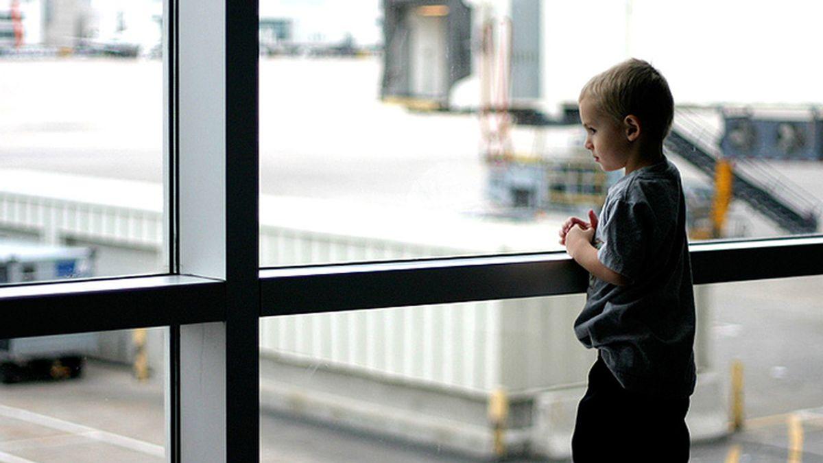 niños, aeropuertos, perdidos, viajes, vuelos