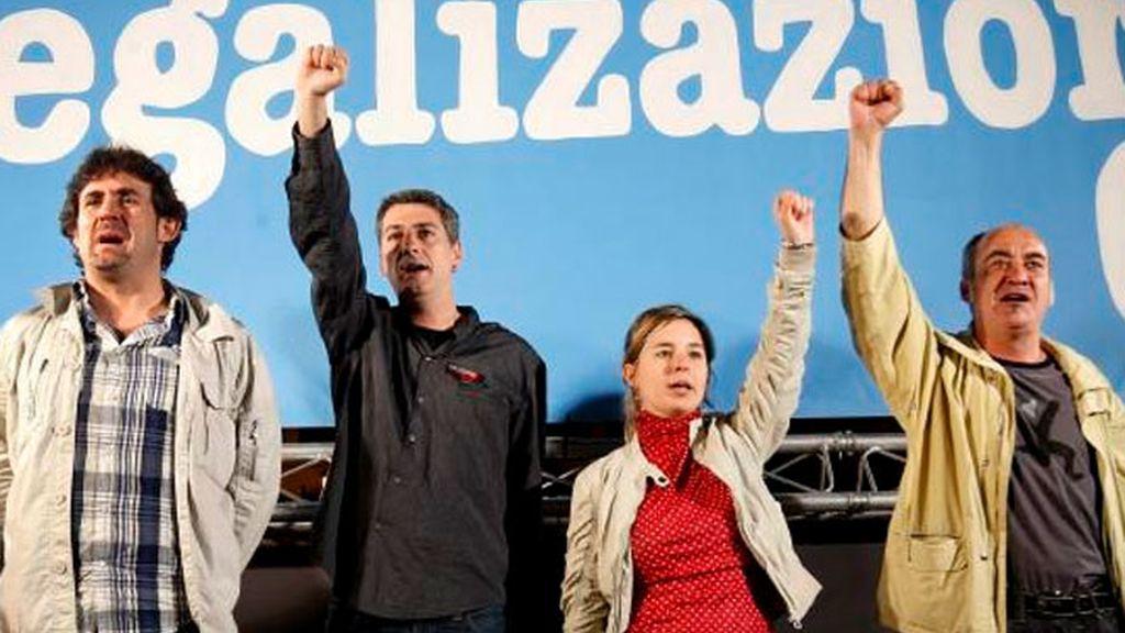 El secretario general de EA, Pello Urizar; Oskar Matute, de Alternatiba, y los independientes Martín Garitano y Aitziber Ibaibarriaga