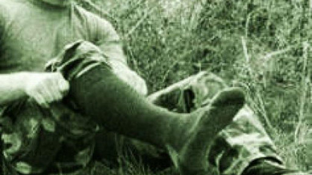 El Ministro de Defensa exige a sus soldados que usen calcetines