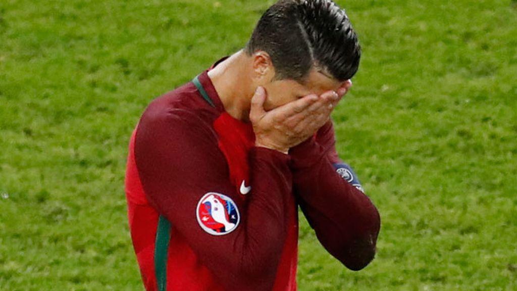 ¡Al palo Cristiano! El delantero falla el penalti que él mismo había provocado