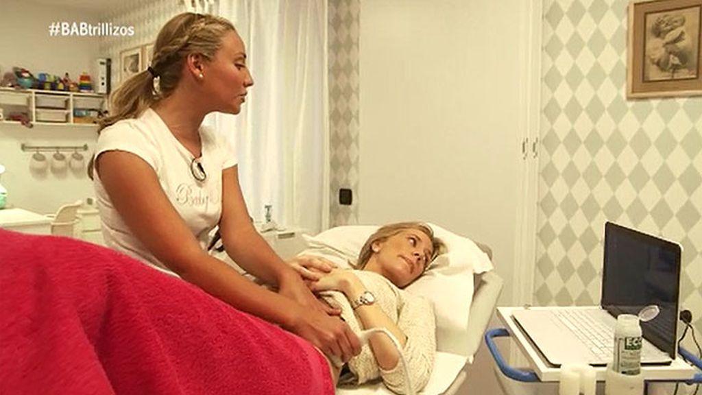 Acompañamos a Paloma a una sesión para recuperarse del parto de sus trillizos