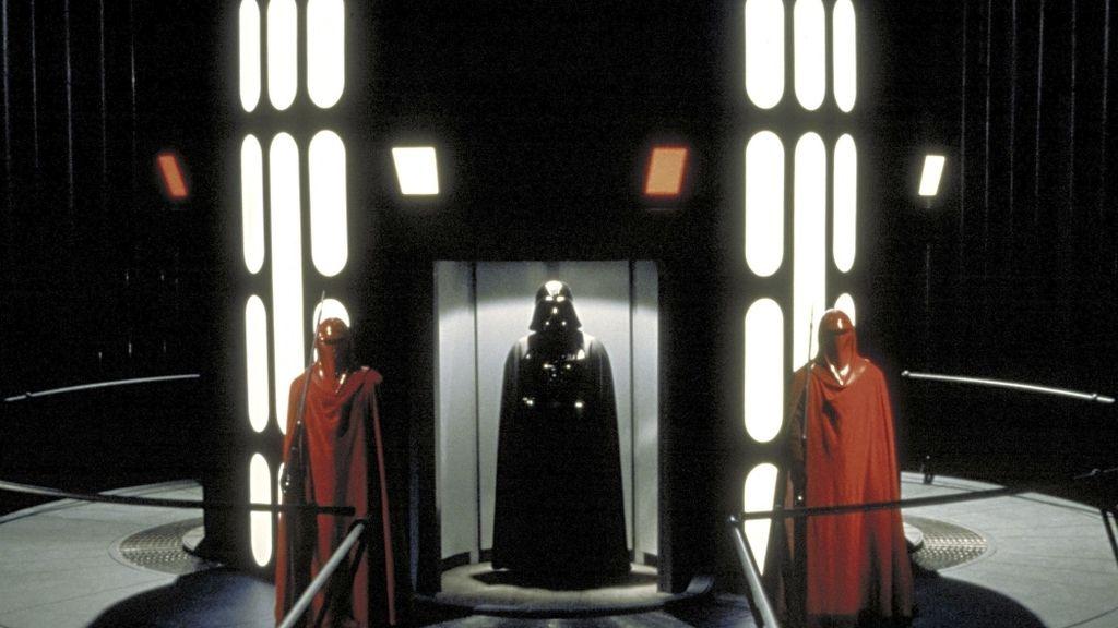 El Emperador y Darth Vader intentan atraer a Luke al lado oscuro