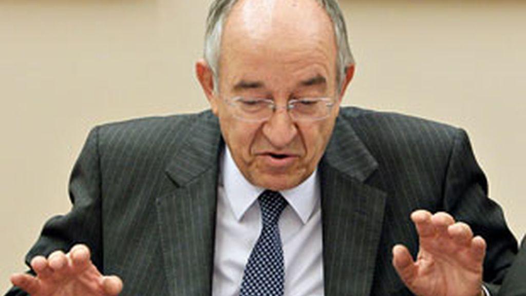 Fernández Ordóñez en un momento de su intervención en el Congreso. Foto: EFE
