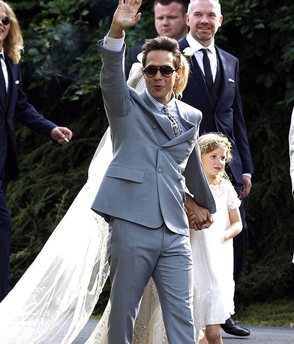 Kate Moss se casa con Jamie Hince con vestido de Galliano