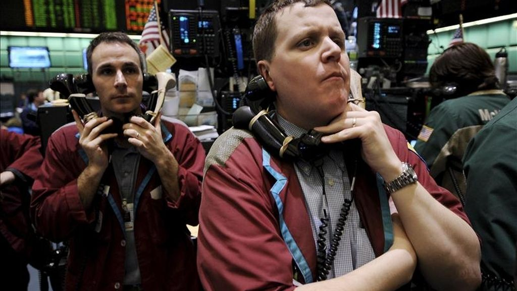 Al cierre de las contrataciones en el parque neoyorquino, el índice Dow Jones sumó 65,16 puntos para cerrar en 12.266,75 unidades. EFE/Archivo