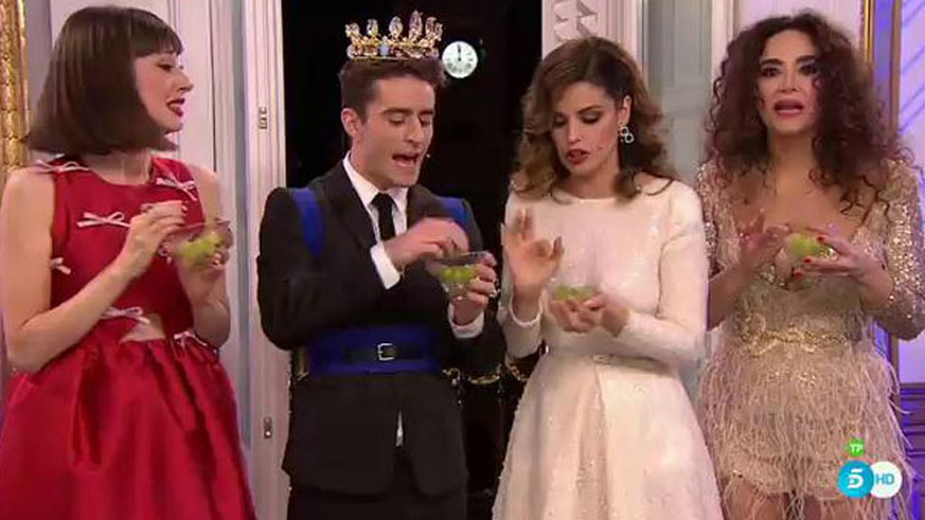 Los rituales que hacen Marta Torné, Natalia, Pelayo, y Cristina antes de comerse las uvas
