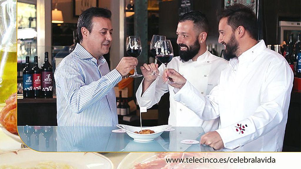 Croqueta de ibérico con leche de oveja más copa de Rioja en 'Taberna Arzábal'