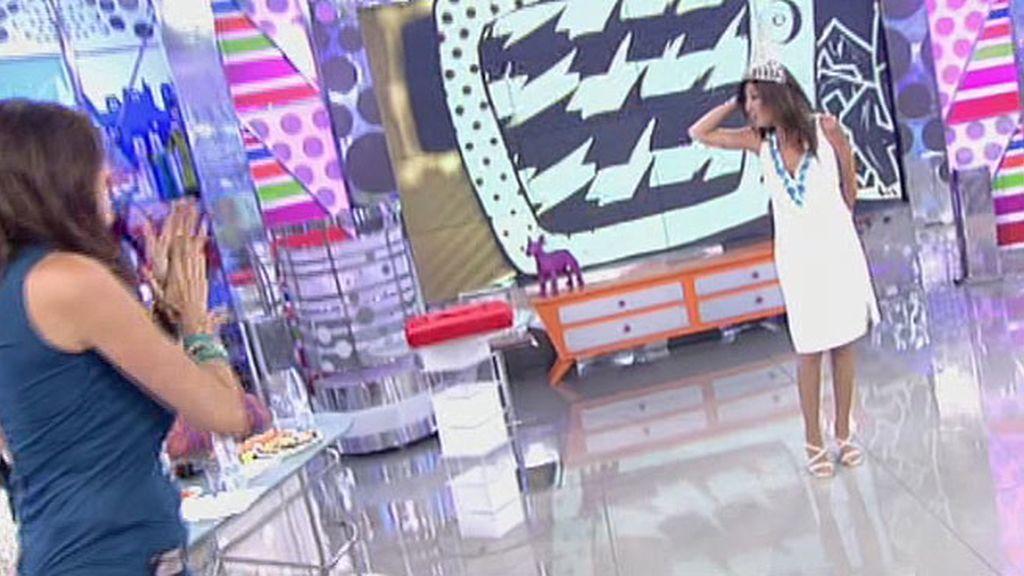 Paz Padilla, Belén Esteban y Kiko Hernández improvisan un desfile