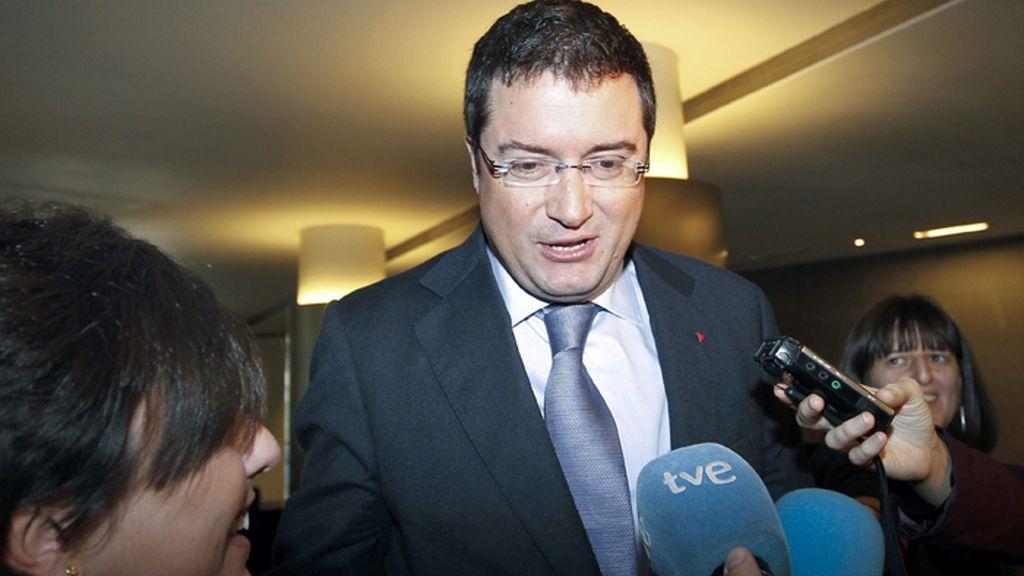 Oscar López, criticado por los miembros del grupo socialista