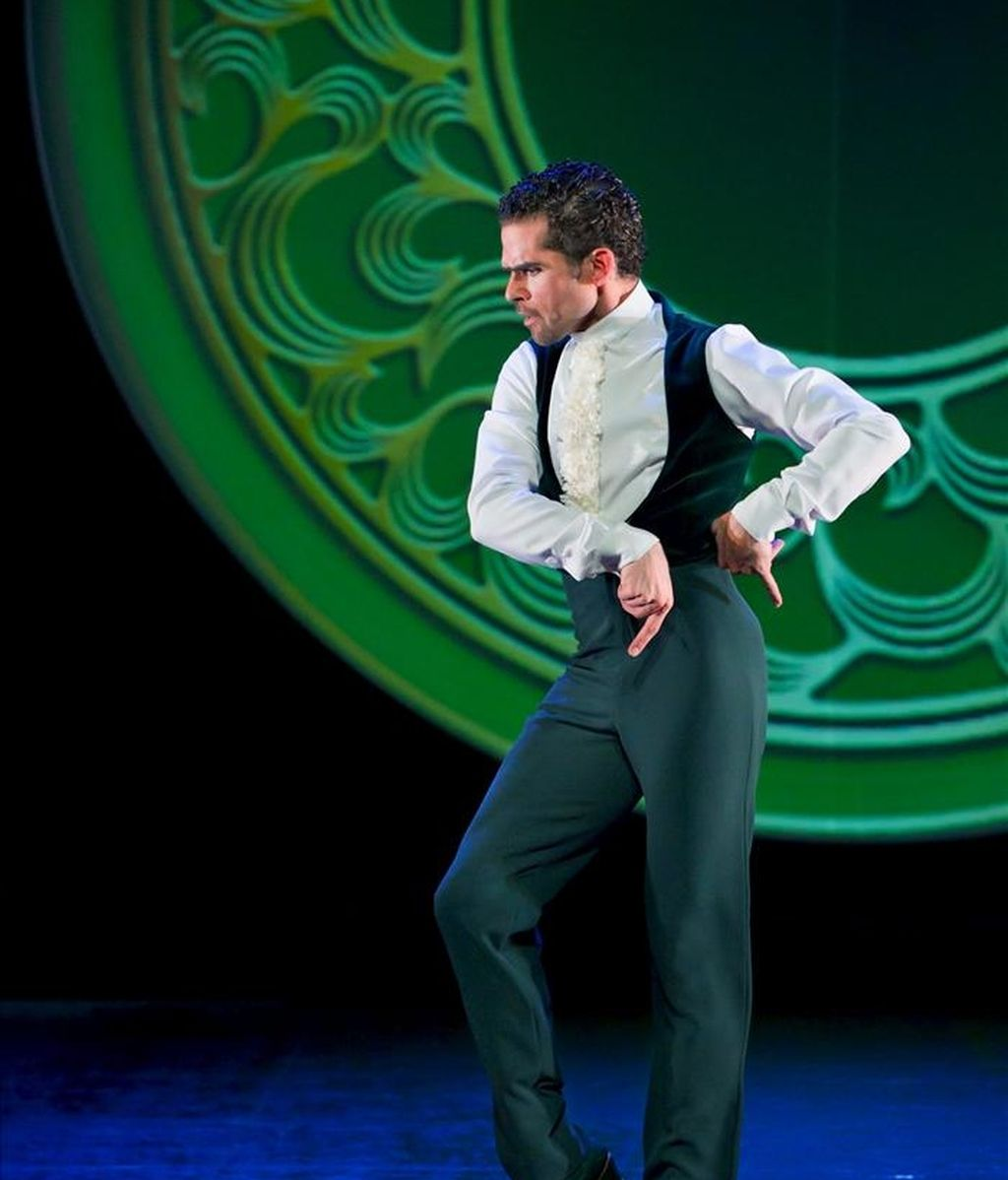 """Fotografía facilitada por la Compañía Antonio Najarro, del bailarín y coreógrafo español Antonio Najarro, candidato para dirigir el Ballet Nacional de España, Premio MAX de las Artes Escénicas al Mejor Intérprete Masculino de Danza 2010 por su actuación en """"Jazzing Flamenco"""", obra con la que está de gira en Francia hasta el 9 de marzo. EFE"""