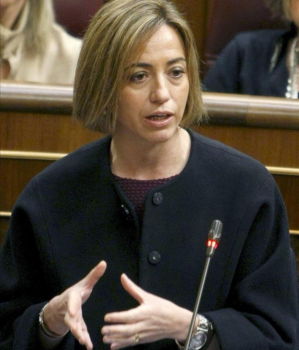 La ministra de Defensa, Carme Chacón, durante una intervención en la sesión de control al Ejecutivo en el pleno del Congreso. EFE/Archivo