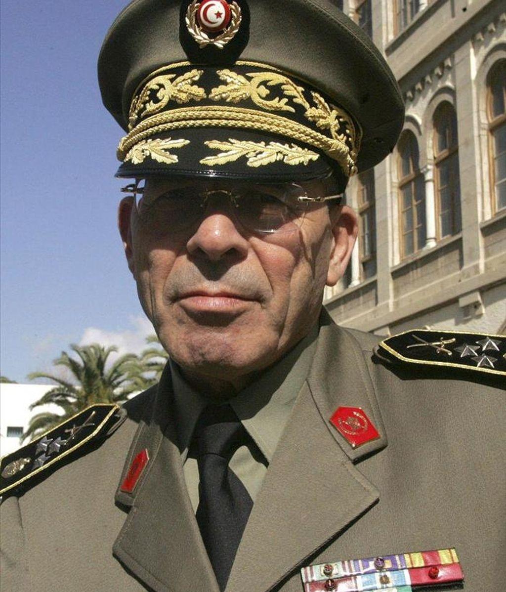El jefe de las Fuerzas Armadas de Túnez, el general Rachid Ammar, a su llegada al Ministeriode Defensa en Túnez (Túnez), el 5 de febrero de 2011. EFE/Archivo