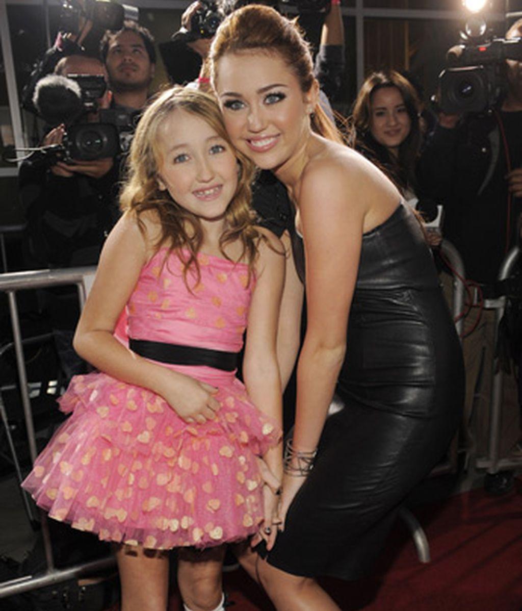 MIley Cyrus y su hermana pequeña