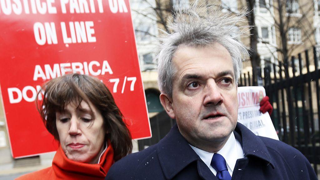 Un exministro británico y su exmujer condenados con cárcel por una infracción de tráfico