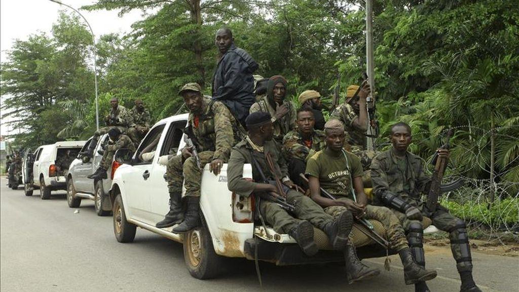 Fuerzas leales al presidente demandante Alassane Ouattara se preparan para un asalto sobre las bases de seguidores de Laurent Gbagbo en Abiyán (Costa de Marfil). EFE