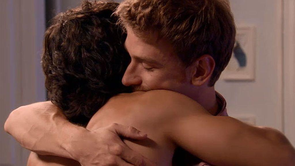 Miguel busca un acercamiento con Lolo para ver si se acuerda que son pareja